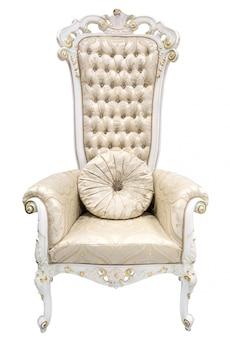 Королевский король престол. кресло цвета слоновой кости в стиле барокко, украшенное полудрагоценными камнями.