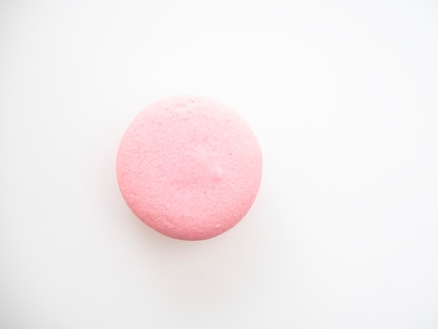 白地にピンクのマカロン