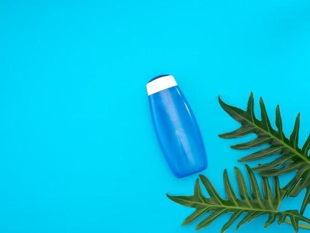 美しい天然化粧品と葉