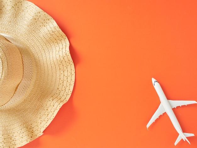 夏の休日休暇の概念オレンジ色の背景