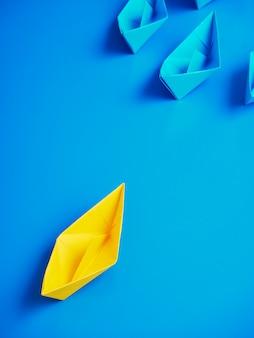 コンセプトビジネス船ボート青い背景