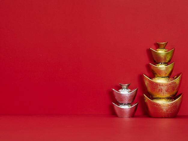 赤の中国の金塊