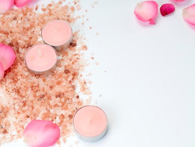 ピンクのヒマラヤ塩のスパセット。
