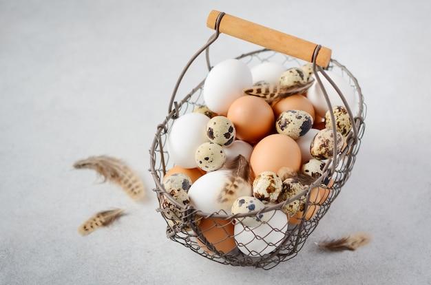 かごの中の卵の種類。