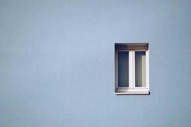 ファサードの窓