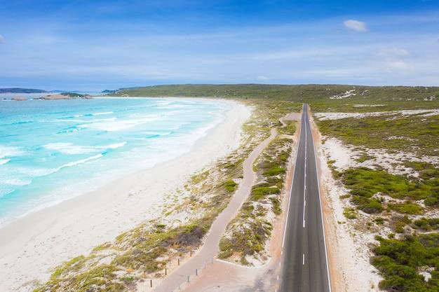 オーストラリア、ビクトリア州のグレートオーシャンロードの航空写真