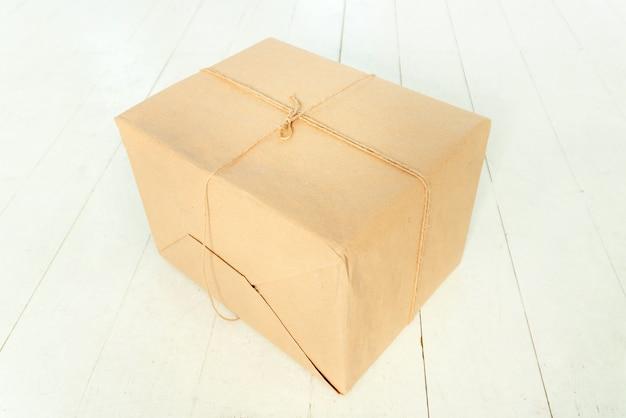 結ばれた箱
