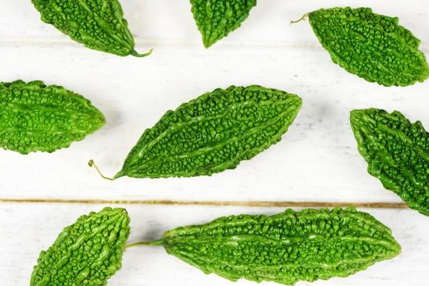 Зеленые горькие тыквы
