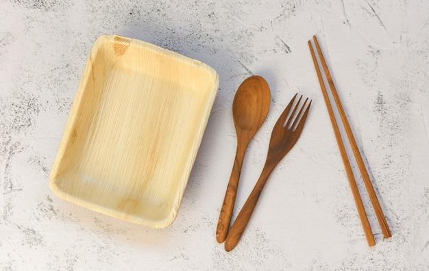 環境にやさしい使い捨て食器