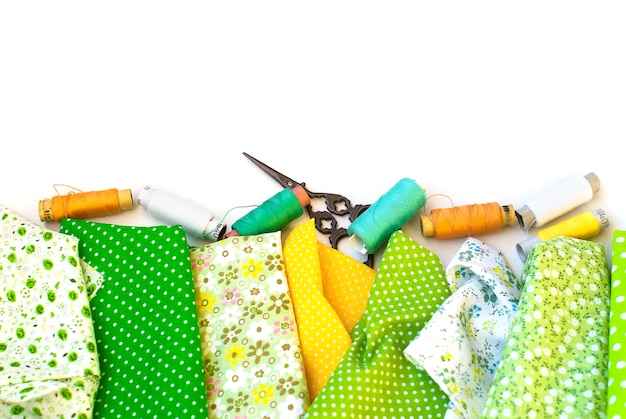 白の手縫い材料
