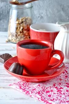 Чашка крепкого горячего кофе
