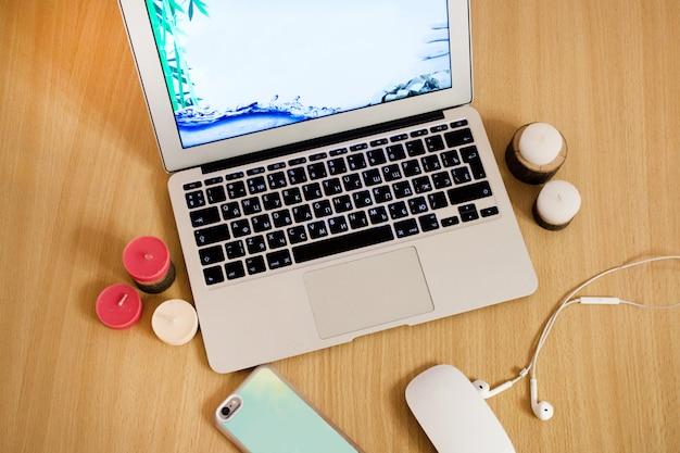 仕事とレジャー用のコンピューター