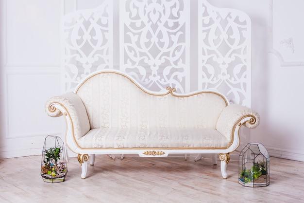 Флорариум, композиция суккулентов, камень, песок и стекло, элемент интерьера, домашний декор, стеклянный террариум