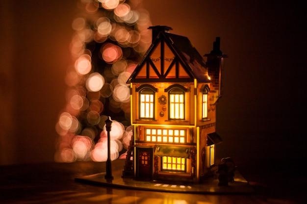 段ボール製の冬の家