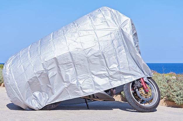銀の反射保護面を備えたオートバイ用防水カバー