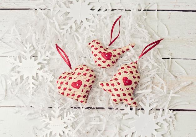 クリスマスの手作りの装飾の柔らかいおもちゃ