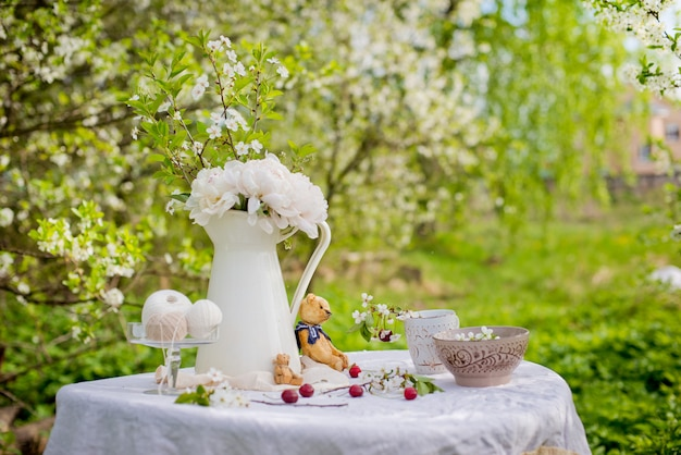Чаепитие под деревом