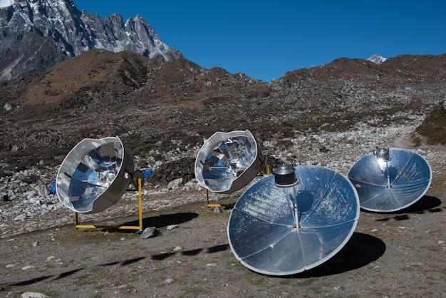 ソーラーパネル、太陽光発電、代替電力源 - 持続可能な資源の概念