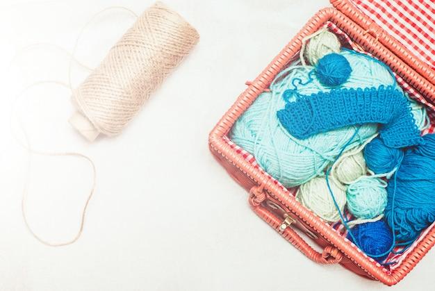 クリューウール糸の美しい静物