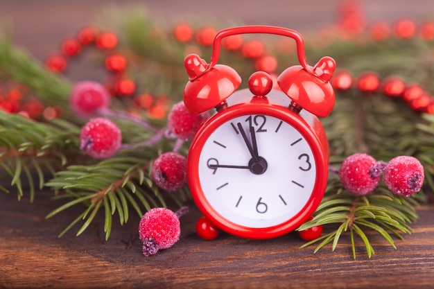 小さな時計、お正月のプレゼント。クリスマスの装飾