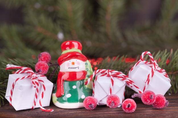 クリスマスの飾り、モミの枝