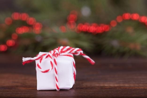 新年の贈り物、休日、スプルースの枝