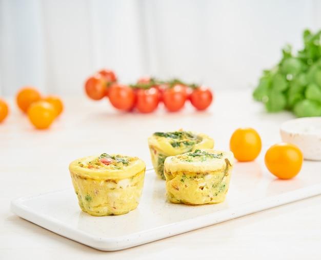 卵のマフィン、パレオ、ケトダイエット