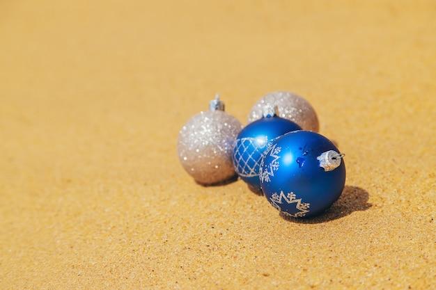 ビーチでのクリスマスの装飾