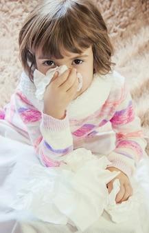 子供は風邪をひいている