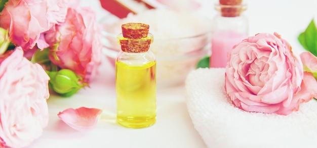 バラの花エキス配合化粧品。