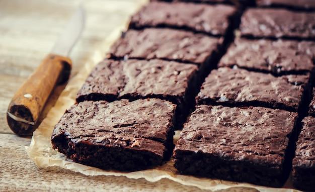 チョコレートブラウニー。自家製焼きます。セレクティブフォーカスフード。