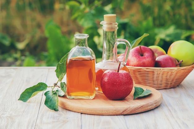 瓶の中のリンゴ酢