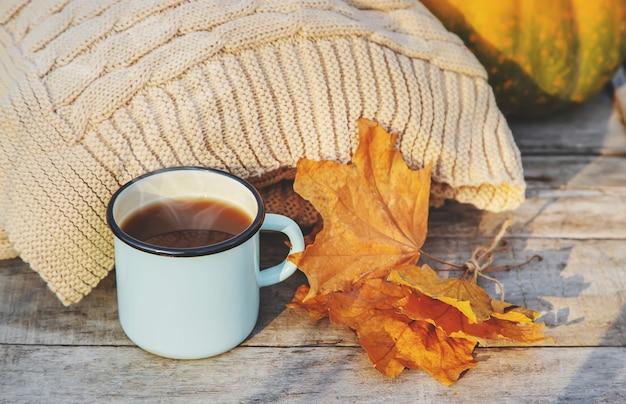 美しい秋の背景。