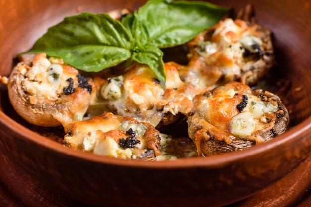 伝統的なイタリア産マッシュルームキャップ