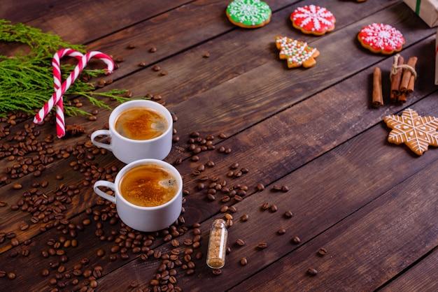 Рождественское утро с ароматным кофе