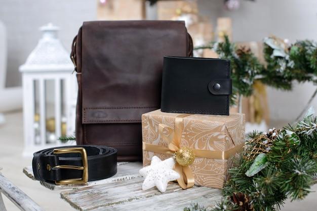 Рождественский интерьер с подарочными коробками