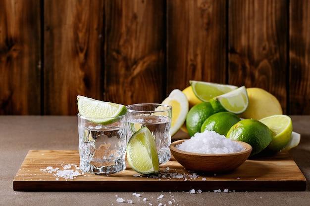 塩とライムのテキーラ