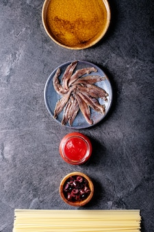 スパゲッティアンチョビパスタを調理するための材料