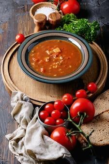 トマトと野菜のスープ