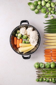新鮮な野菜を調理する準備ができて