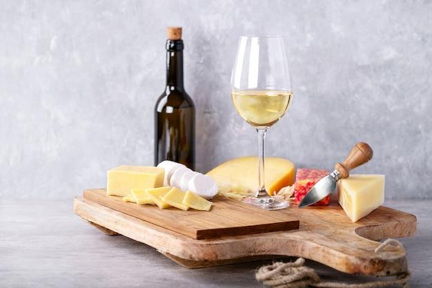 山羊や牛乳のチーズ各種