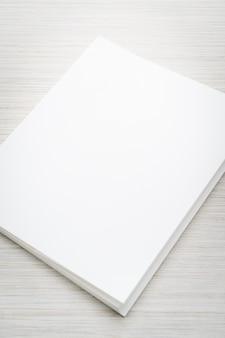 Пустой белый макет книги