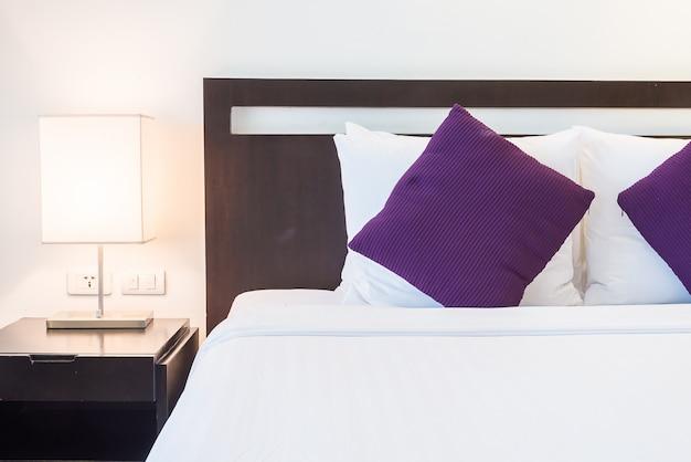 Подушка для постели