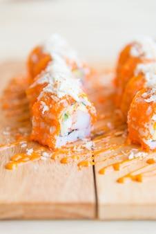 サーモン寿司ロール