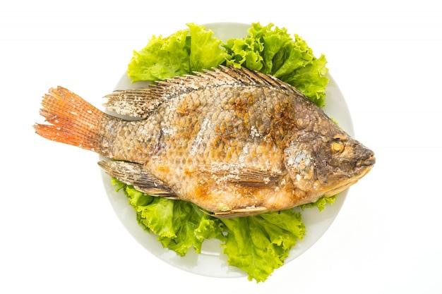 Свежая рыба на гриле