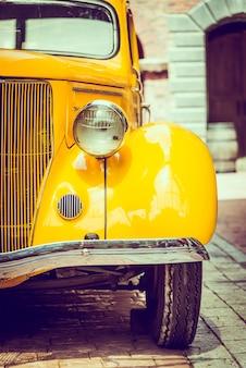 ヘッドライトランプカー