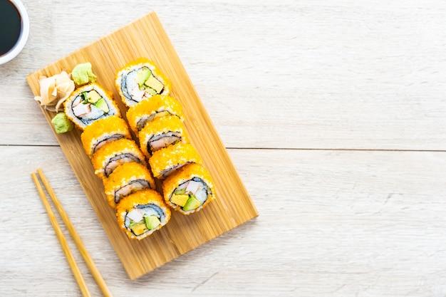 カリフォルニアマキロール寿司