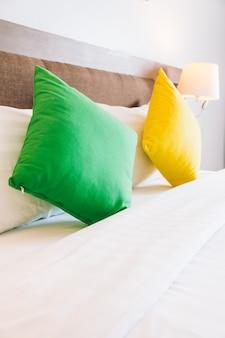 ベッド装飾インテリアの枕