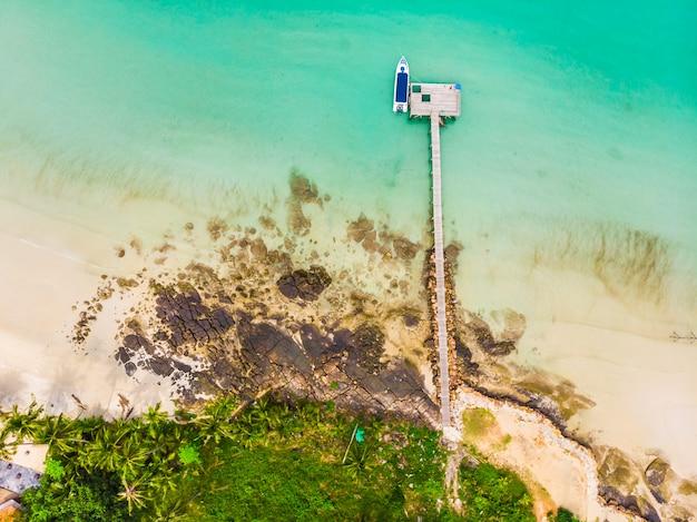 ビーチと海の美しい空撮