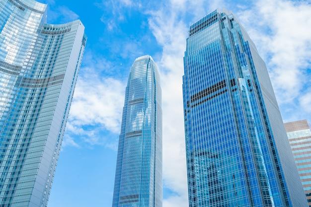 Красивый небоскреб здания архитектуры в городе гонконга